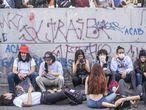 Jóvenes manifestantes en las calles de Bogotá