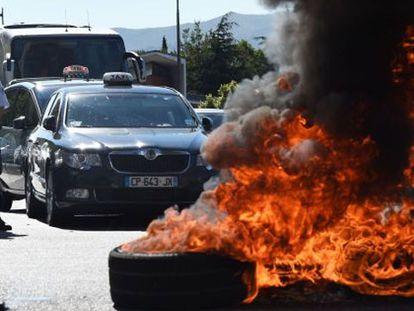 Protesto de taxistas nesta quinta-feira em Marselha.
