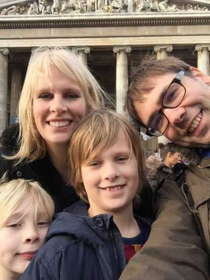 Keith Stuart, editor de videogames do 'The Guardian', e sua família.