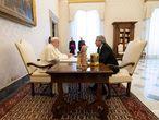 El papa Francisco con el presidente argentino, Alberto Fernández.