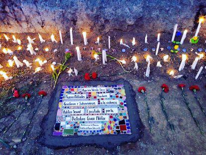Memorial às mulheres assassinadas no centro de detenção Venda Sexy, feito por sobreviventes em dezembro de 2019.