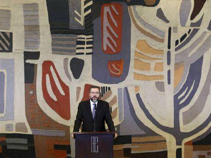Ernesto Araújo toma posse como ministro das Relações Exteriores, em 2 de janeiro de 2019.