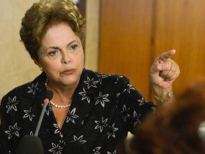 Dilma durante anúncio de medidas para melhorar o futebol brasileiro.