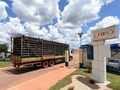 Embaixador da UE no país diz que é preciso saber se problema é  pontual  ou afeta sistema João Cravinho afirma que achados da Operação Carne Fraca são  perturbadores