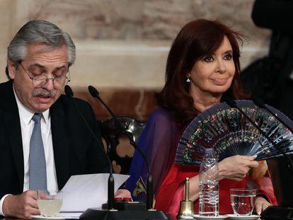 Alberto Fernández e Cristina Kirchner, em evento no dia 16.