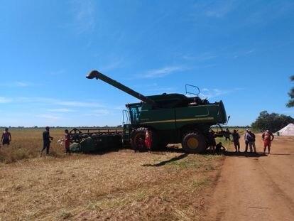 Agricultura mecanizada na Terra Indígena de Sangradouro (MT), do povo Xavante.