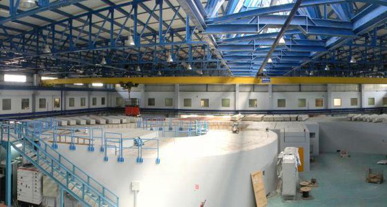 O interior do laboratório Sesame na Jordânia, em 2012.