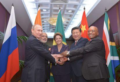Dilma com os líderes dos BRICS, no G20.