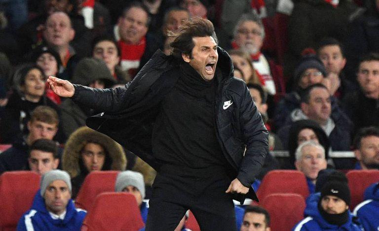 Antonio Conte, durante uma partido em sua passagem pelo Chelsea.