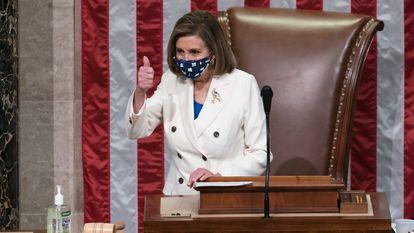 Nancy Pelosi, presidenta da Câmara de Representantes, após aprovar o plano de estímulo.