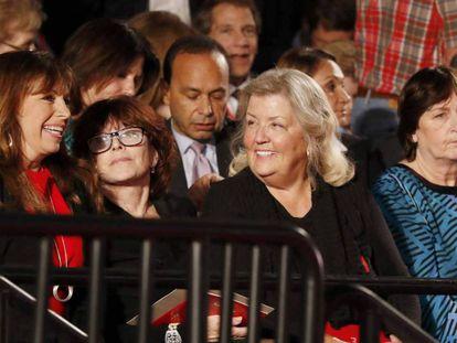 Paula Jones, Kathleen Willey, Juanita Broaddrick e Kathy Shelton no debate.