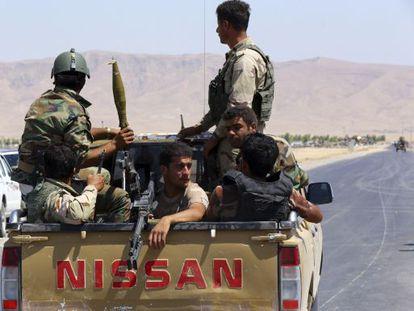 Peshmergas em Makhmur, na província de Nínive.