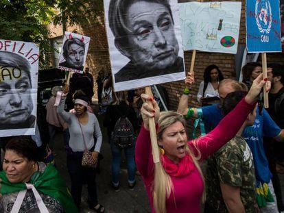 Protesto contra a visita de Judith Butler em São Paulo, dia 7 de novembro.