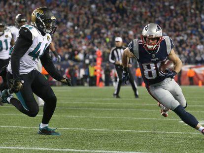 Danny Amendola, número 80, ajudou o Patriots a superar o Jacksonville Jaguars e chegar a mais um Super Bowl.