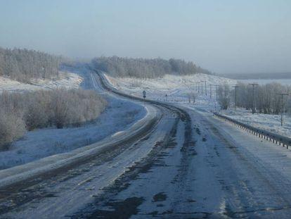 Trecho da chamada 'estrada dos ossos', a rodovia de Kolima, que liga Yakutsk a Magadan, no Extremo Oriente russo.