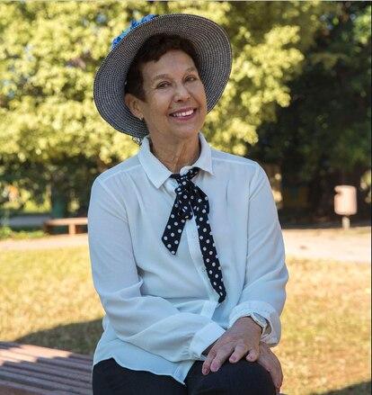 A autora Ermelinda A. Paz