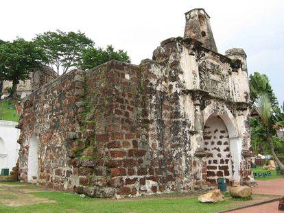 Ruínas do forte português A Famosa, em Malaca, Malásia.