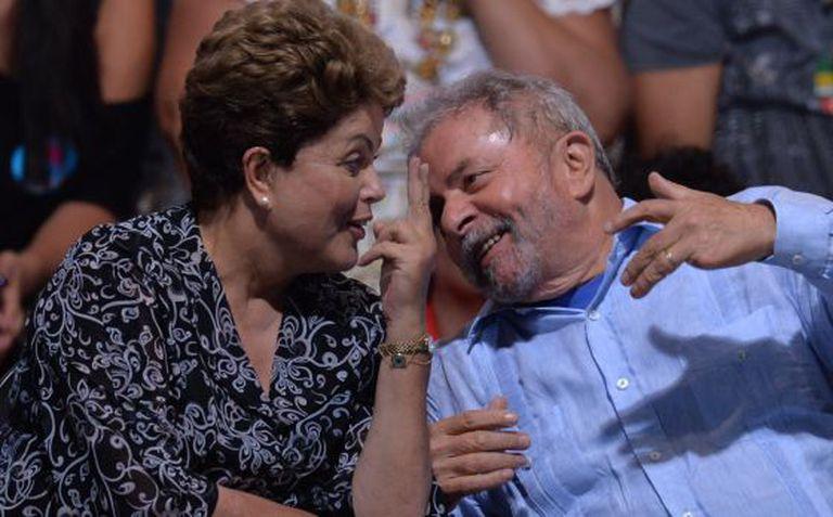 Dilma e Lula durante a campanha em São Paulo no dia 20.