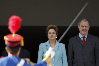 Dilma e Mercadante no dia 8 de maio.