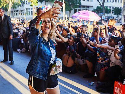 A 'youtuber' Nah Cardoso em evento no Rio.