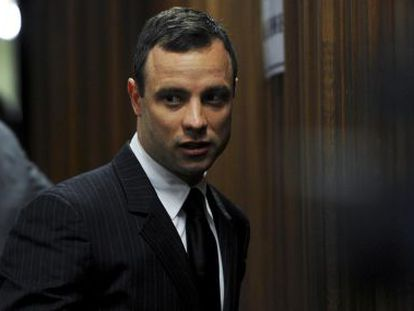 Oscar Pistorius, diante do juiz de Pretória.