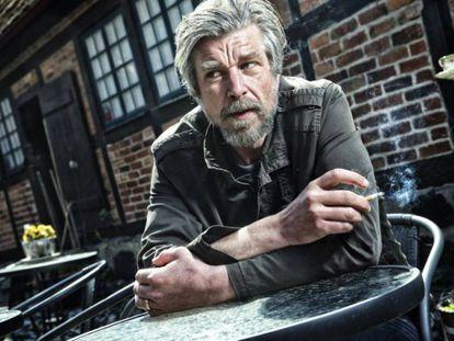 O norueguês Karl Ove.