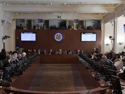 OEA se reúne para discutir a situação da Venezuela, nesta terça-feira.
