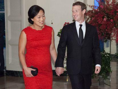 Mark Zuckerberg e sua mulher, Priscilla Chan, chegando a um jantar de Estado em homenagem ao presidente chinês, Xi Jinping, na Casa Branca em setembro de 2015.