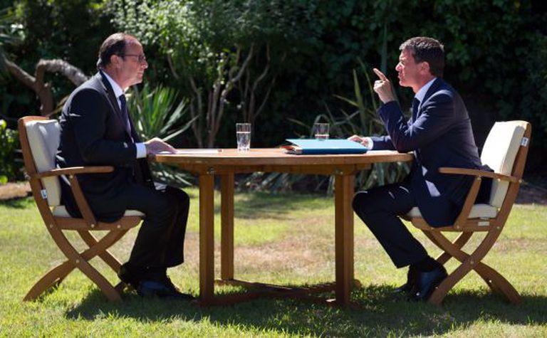 François Hollande e Manuel Valls, em 15 de agosto.