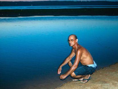 Luiz Cardoso da Costa, uma das pessoas que mais conhece o comportamento das tartarugas-da-amazônia, no Tabuleiro do Embaubal