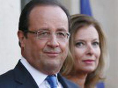 O presidente francês esclarecerá sua situação pessoal antes de viajar aos EUA em fevereiro. Ele propõe às empresas uma redução de custos trabalhistas