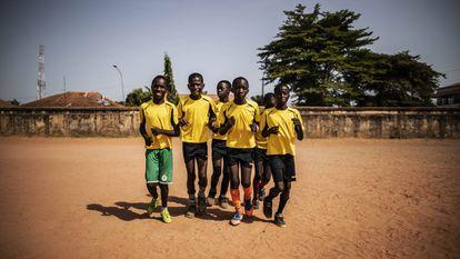 Uma escolinha para os meninos carentes em Guiné-Bissau