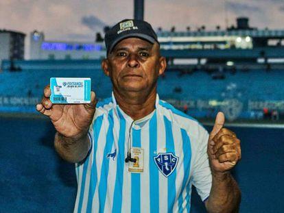 Wilson Rocha, torcedor do Paysandu, voltou ao estádio graças a projeto popular.