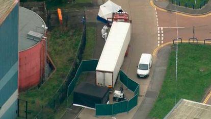 Imagem do caminhão onde foram encontrados os 39 cadáveres.