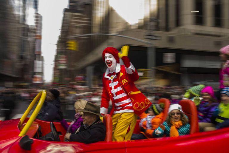 Ronald McDonald durante um passeio em Nova York.