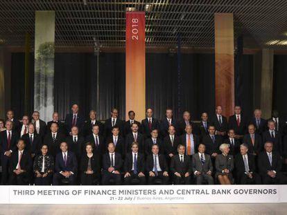 Foto oficial dos ministros das Finanças e diretores de bancos centrais do G-20