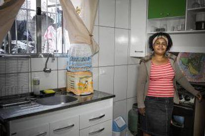 A cozinha de Edna de Souza reformada.