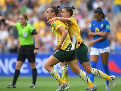 Australianas comemoram gol contra o Brasil.