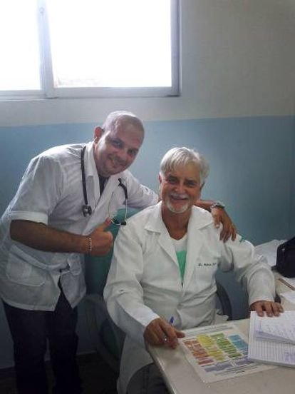 O cubano Manuel Alejandro Rodríguez Martín (esquerda).