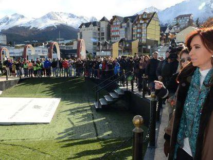 Cristina Kirchner, em uma cerimônia em memória dos argentinos mortos na guerra das Malvinas.