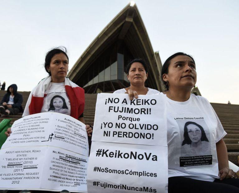 Protestos contra a candidata presidencial Keiko Fujimori, na terça-feira, em Sydney.