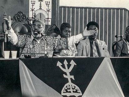 O senador Abdias Nascimento.