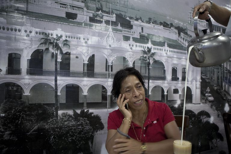 Regina Martínez, no café La Parroquia, do porto de Veracruz, 15 dias antes de ser morta.