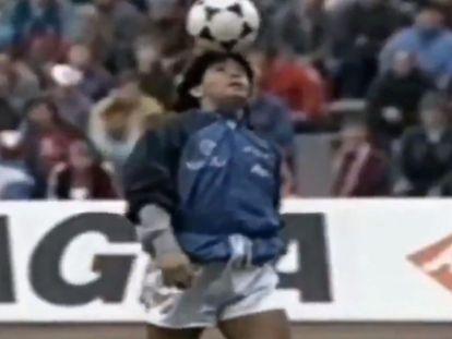 Maradona durante o aquecimento na Alemanha, que se tornaria um dos momentos mais célebres de sua carreira