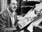 Walt Disney posa 'dibujando' a Mickey Mouse en marzo de 1955. |