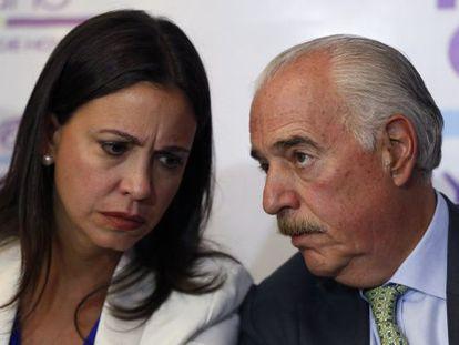 María Corina Machado e Andrés Pastrana.