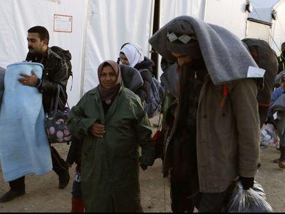 Refugiados em um acampamento de Idomeni, no norte da Grécia.