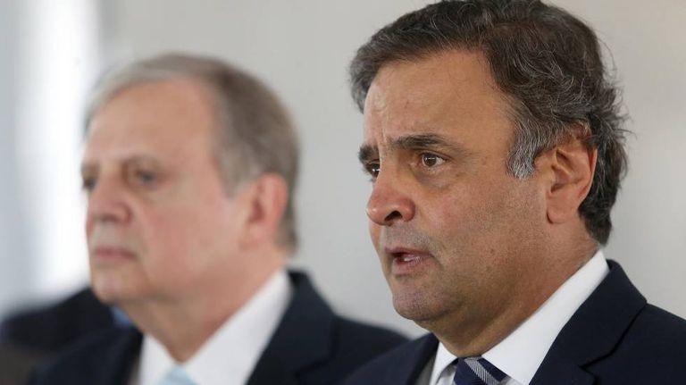Os senadores Tasso e Aécio, em 2016.
