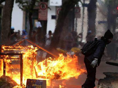 Manifestação termina em tumulto no centro do Rio