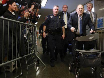 Harvey Weinstein ao chegar ao Tribunal Penal do Estado de Nova York, nesta segunda-feira.
